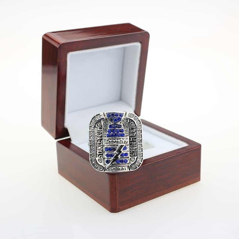 2004 Tampa Bay Lightning ring